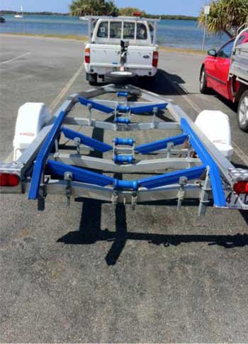 boat-trailer-ribbed-bunks-45degree-bends